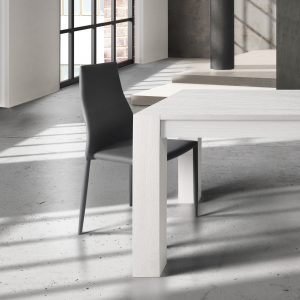 Sedia in stile moderno modello 697