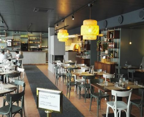 Pizzeria-Capperi---Helsinki,-Finlandia---875-con-archi-sbiancata-(2)